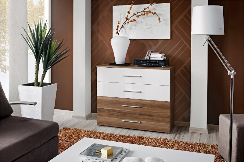 SB GO 3 - Plum and white 4 drawer dresser