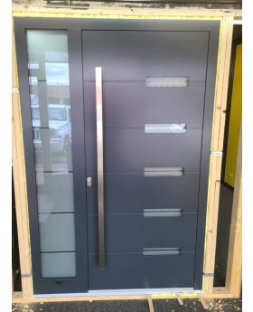 LIM aluminum entry door with left sidelight (view from the outside)